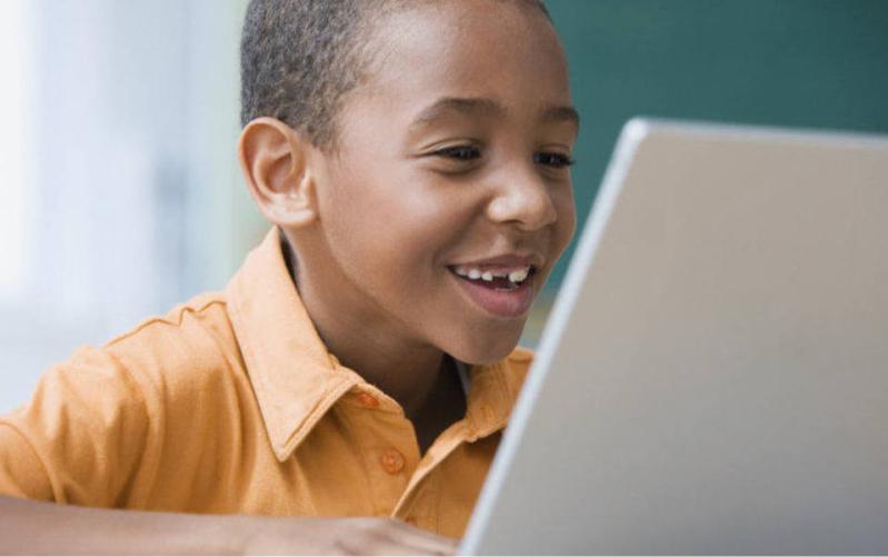Colégio FAAG leciona aulas à distância para 920 crianças de Angola
